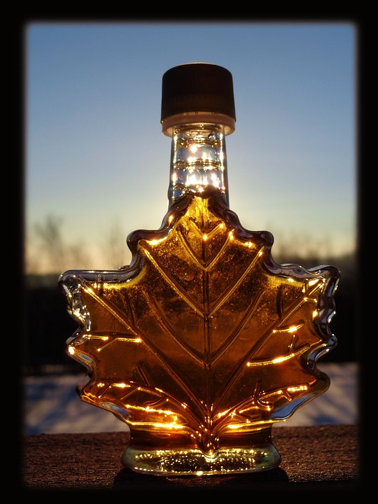 maple-syrup-in-a-bottle
